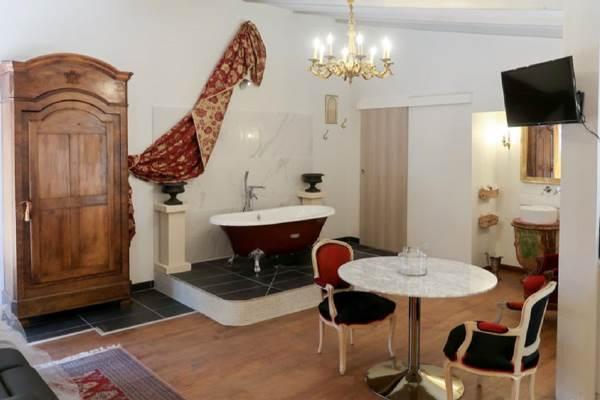 chambre-Arpaillargues-et-Aureillac1