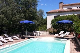 situation top ! villa avec piscine 8*4 et  terrain arboré